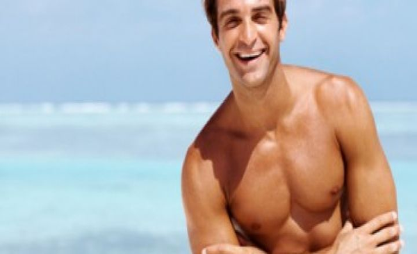 10 Clear Body Language Signs That A Guy Likes You